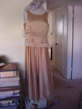 *Reduced* Stunning Gold Gown in Alamogordo, New Mexico