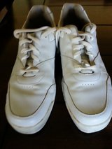 MEN'S LEATHER ROCKPORT SIZE 9M in Yucca Valley, California